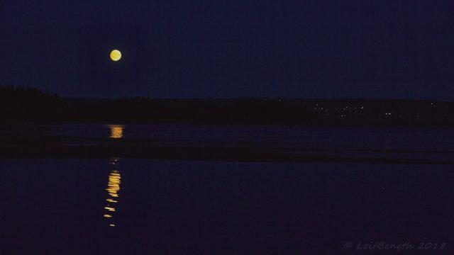 Fullmåne över Orsasjön...