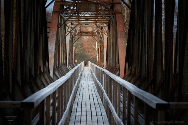 Gammal järnvögsbro