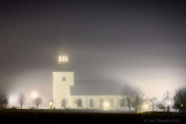 Novemberdimmornas kyrka