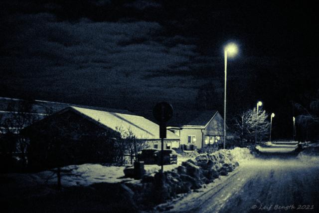 Hansåkersvägen en månskensnatt