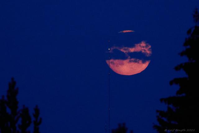 Fullmånen med mast...