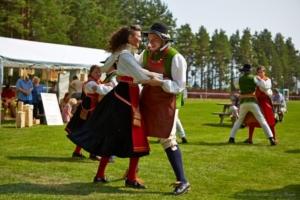 Folkdans på Våmhusfesten